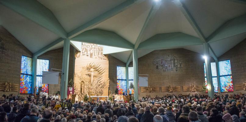 Ilu wiernych bierze udział w Mszach św.? Są nowe dane dotyczące diecezji płockiej - Zdjęcie główne