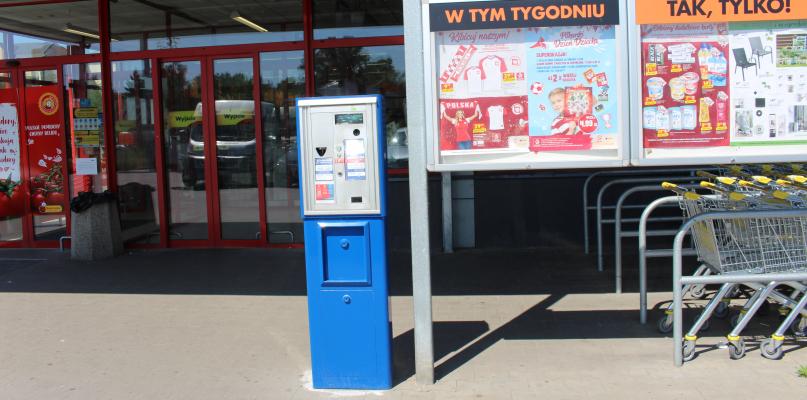 Wysokie opłaty za parkowanie pod Biedronkami. Jak to wygląda w Płocku? - Zdjęcie główne
