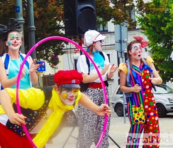 Barwny korowód, spektakle i piknik, czyli będzie Heca - Zdjęcie główne