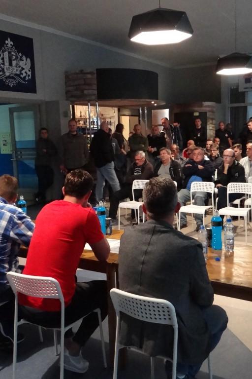Spotkanie zarządu z kibicami - Zdjęcie główne