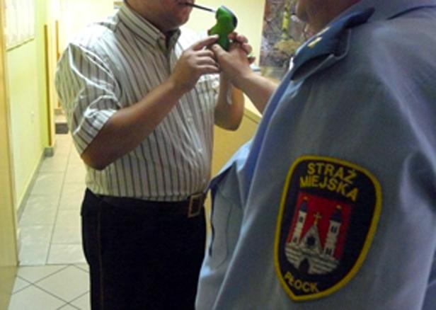Znika alkomat z dyżurki u municypalnych - Zdjęcie główne