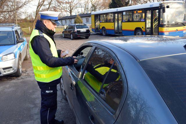 Ponad 870 kontroli trzeźwości kierowców - Zdjęcie główne