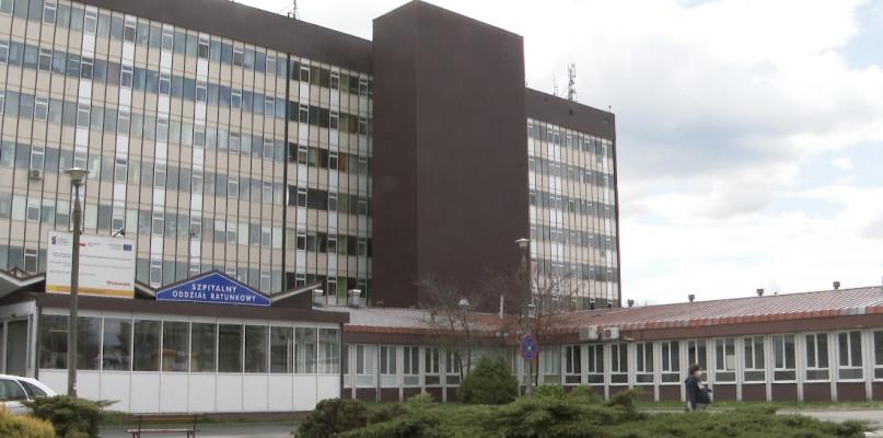 Spadła liczba hospitalizacji i osób w kwarantannie [RAPORT SANEPIDU] - Zdjęcie główne