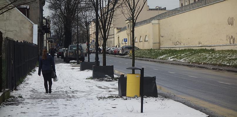Rano kierowcy walczyli ze śniegiem. MZD zapewnia, że nie zaspało - Zdjęcie główne