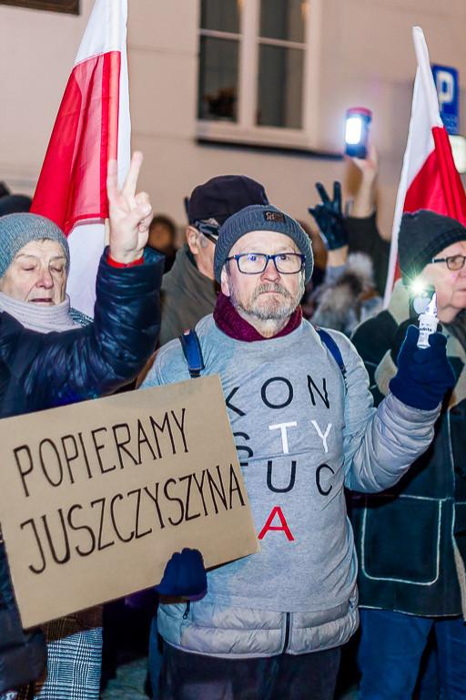 Protestowali solidarnie z sędziami - Zdjęcie główne