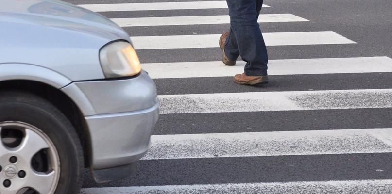 Potrącenie pieszej na pasach. Kobieta w szpitalu - Zdjęcie główne