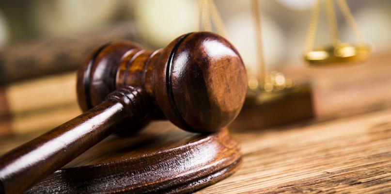 W płockim sądzie ruszy duży proces. Oskarżeni to m.in. adwokaci i lekarze - Zdjęcie główne