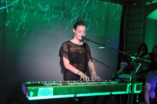 Kari Amirian: Rozwijać muzyczną tożsamość - Zdjęcie główne