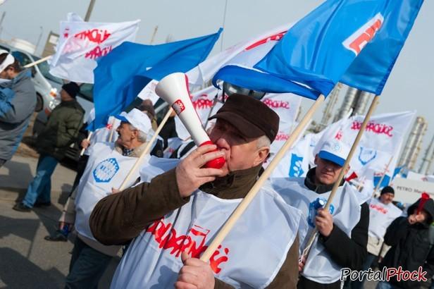 Płock manifestuje w stolicy. Dylemat Kulpy - Zdjęcie główne