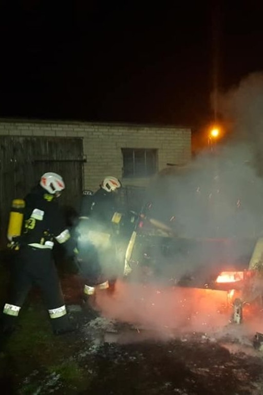 Pożar samochodu w gminie Drobin - Zdjęcie główne
