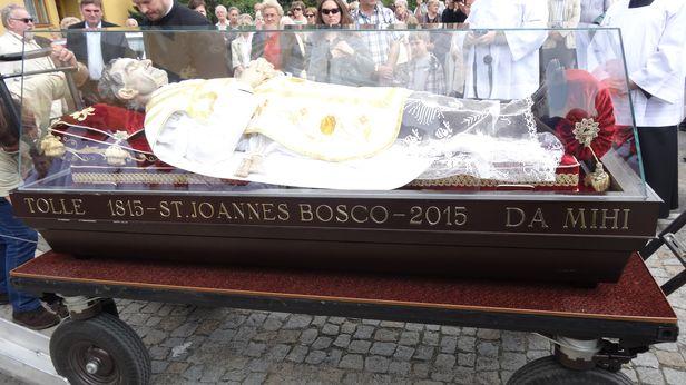 Ogromny relikwiarz już w Płocku [FOTO] - Zdjęcie główne