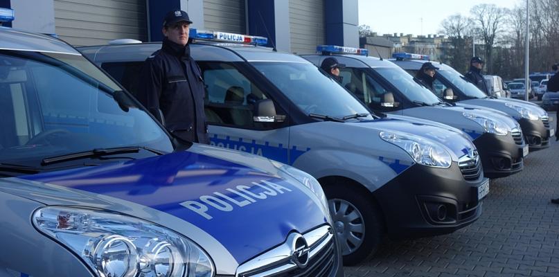Nowe radiowozy dla policji. Będą patrolowały płockie drogi - Zdjęcie główne