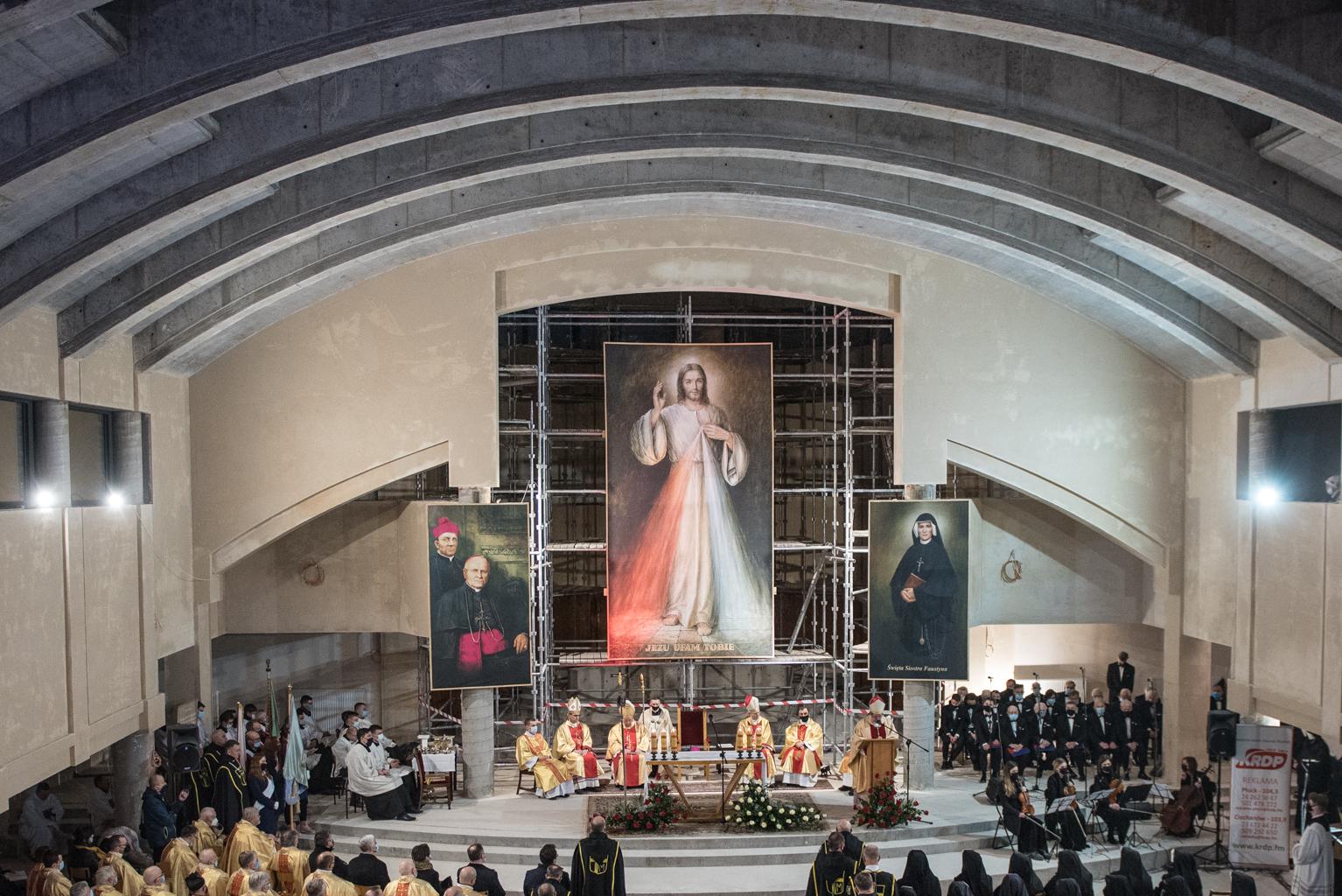 90. rocznica objawień Jezusa Miłosiernego. Msza w Sanktuarium Bożego Miłosierdzia [FOTO]  - Zdjęcie główne