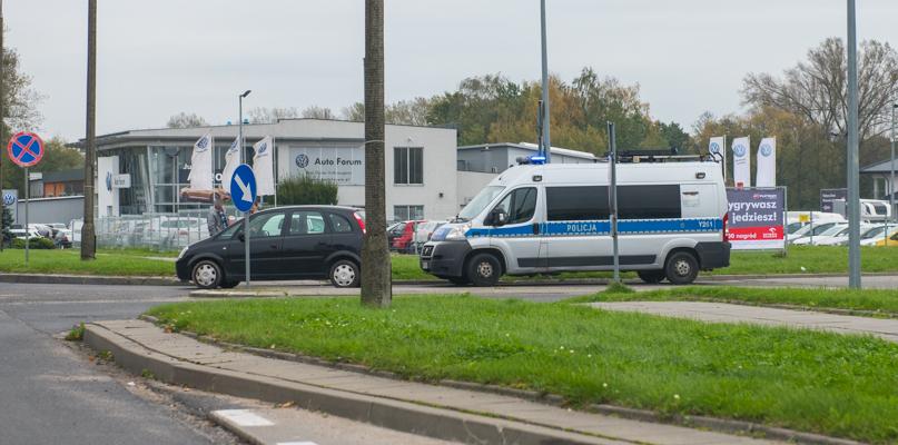 Potrącenie pieszego niedaleko stacji paliw na Wyszogrodzkiej - Zdjęcie główne