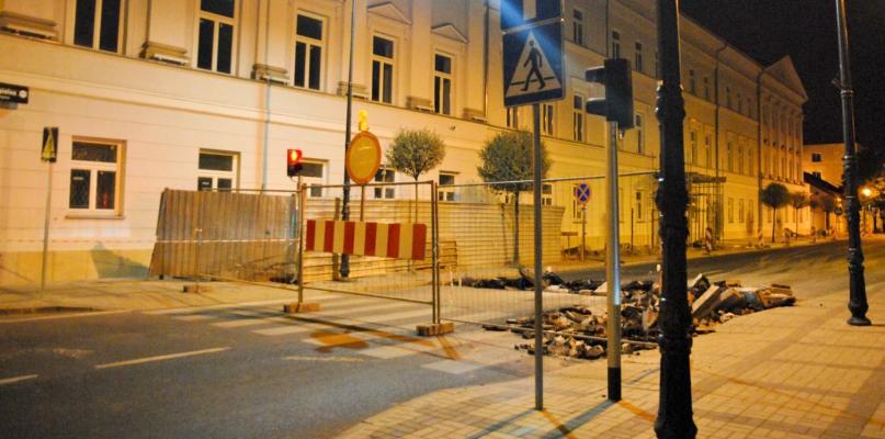 Niemiła niespodzianka - Kolegialna wciąż zamknięta dla ruchu  - Zdjęcie główne