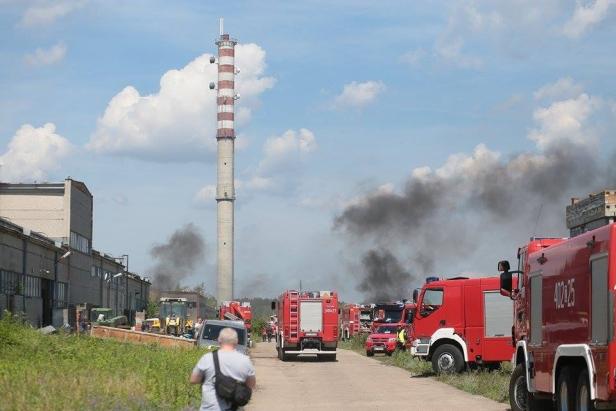 Samolot rozbił się na Radziwiu. Płonie las - Zdjęcie główne