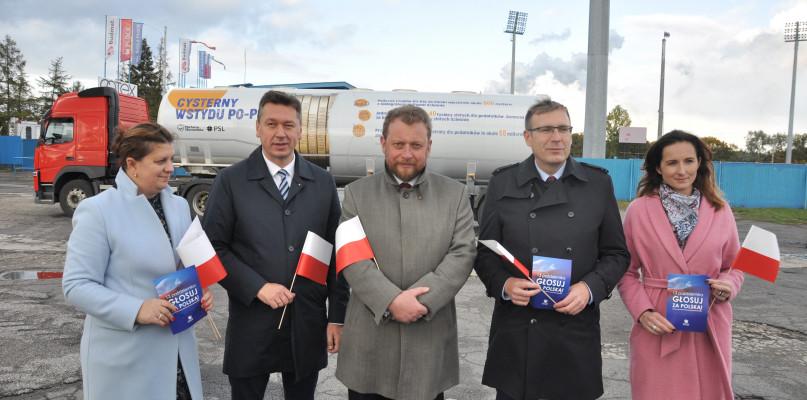 Cysterna wstydu w Płocku. PiS podsumował kampanię wyborczą - Zdjęcie główne
