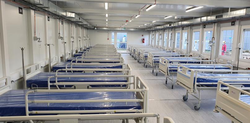 Szpital tymczasowy prawie gotowy. Powstawał 12 dni  [FOTO] - Zdjęcie główne