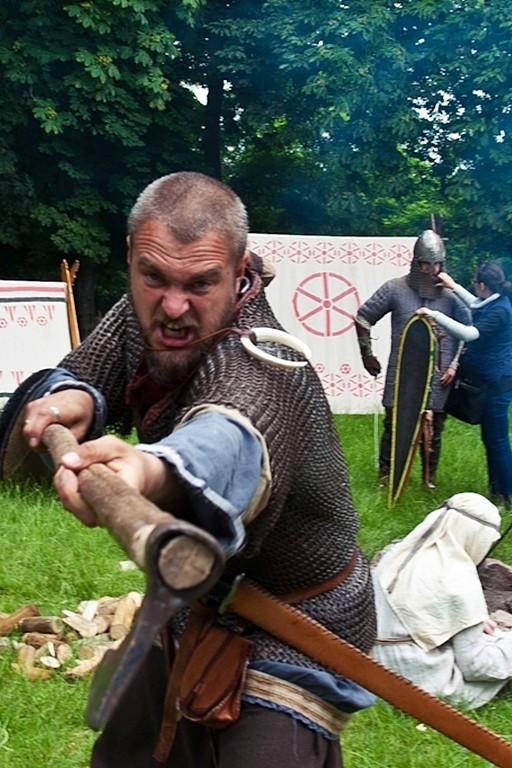 Zacięte walki w miasteczku rycerskim - Zdjęcie główne