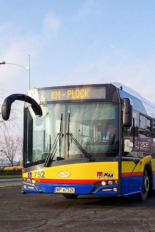 Nowy autobus z ładowarkami USB - Zdjęcie główne