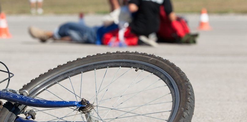 Dwa poważne wypadki. Ranni zostali rowerzyści - Zdjęcie główne