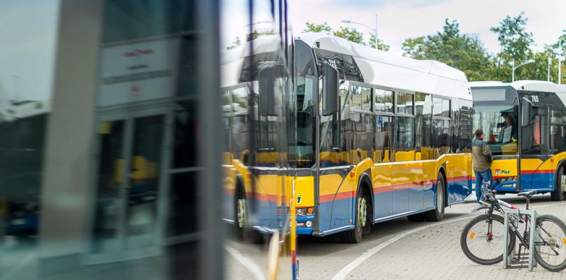 Krytycznie o rozkładzie autobusów. Czytelnik: To jedna wielka kpina i cyrk - Zdjęcie główne