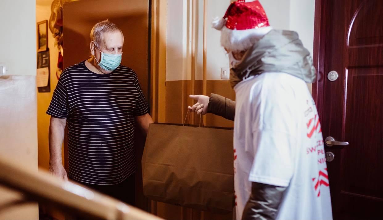 PKN Orlen podsumował akcję świąteczną akcję. Rozdano 3677 paczek dla seniorów - Zdjęcie główne