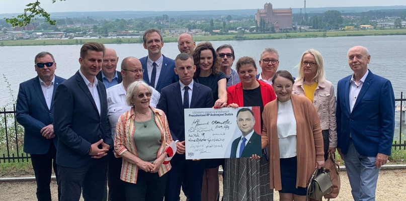 Samorządowcy PiS udzielili wsparcia Andrzejowi Dudzie  - Zdjęcie główne