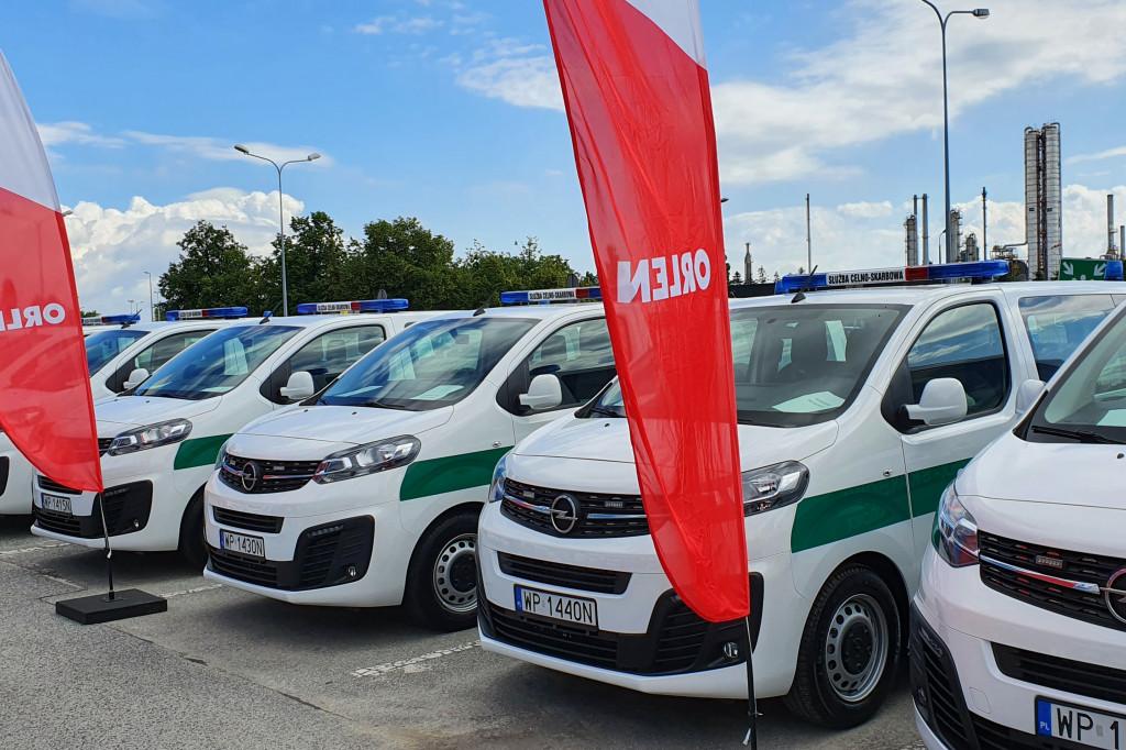 ORLEN przekazał auta Krajowej Administracji Skarbowej - Zdjęcie główne