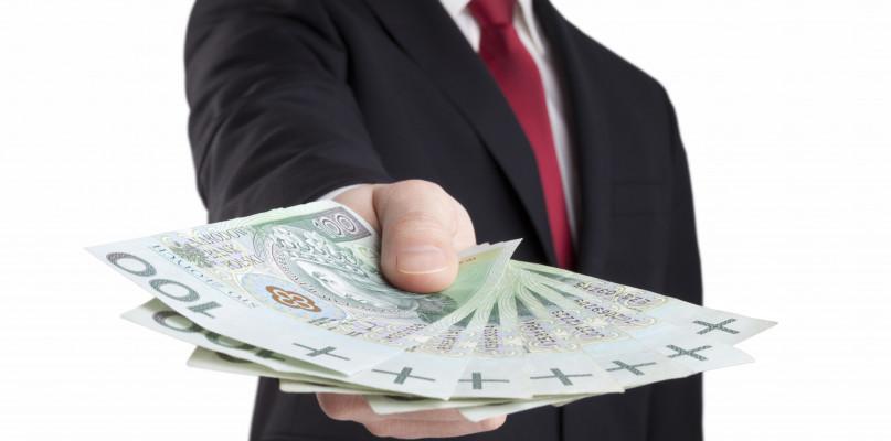 Jak rozmawiać o pieniądzach na rekrutacji? Krótki poradnik - Zdjęcie główne