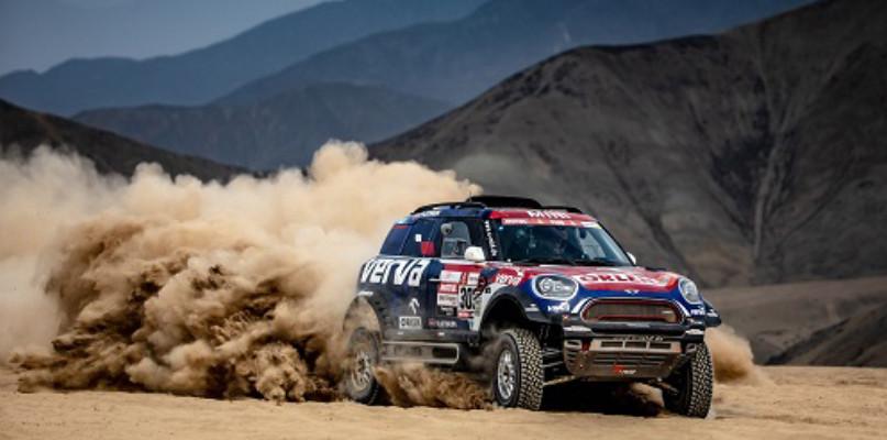 Dakar 2019: Przygoński na podium pierwszego etapu, dobry start Tomiczka i Giemzy! - Zdjęcie główne