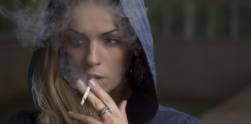 Mentolowe, klikane... Niektóre rodzaje papierosów zniknęły ze sklepów  - Zdjęcie główne