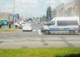 Dwa auta zderzyły się przy galerii[FOTO] - Zdjęcie główne