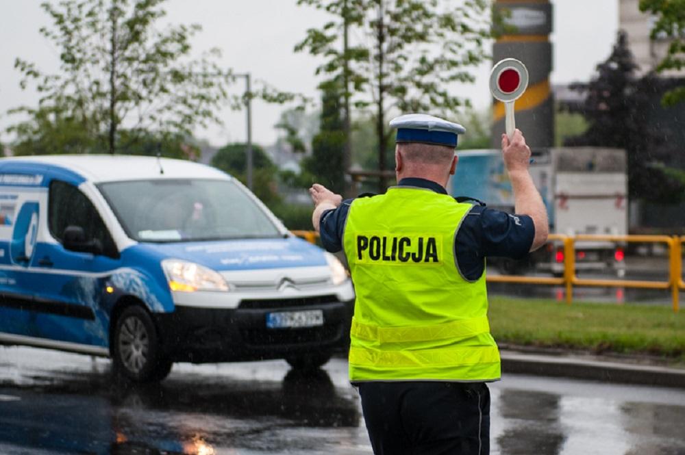 Radykalne podwyżki stawek mandatów drogowych. Nowy taryfikator uderzy kierowców po kieszeni - Zdjęcie główne