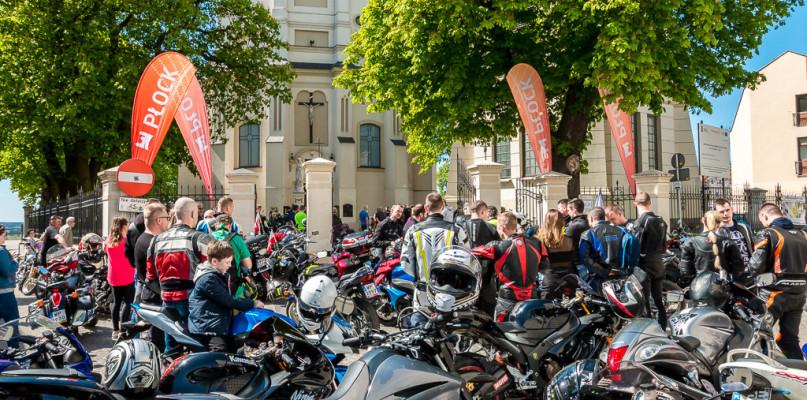 Mnóstwo aut i motocykli podjedzie w weekend pod farę - Zdjęcie główne
