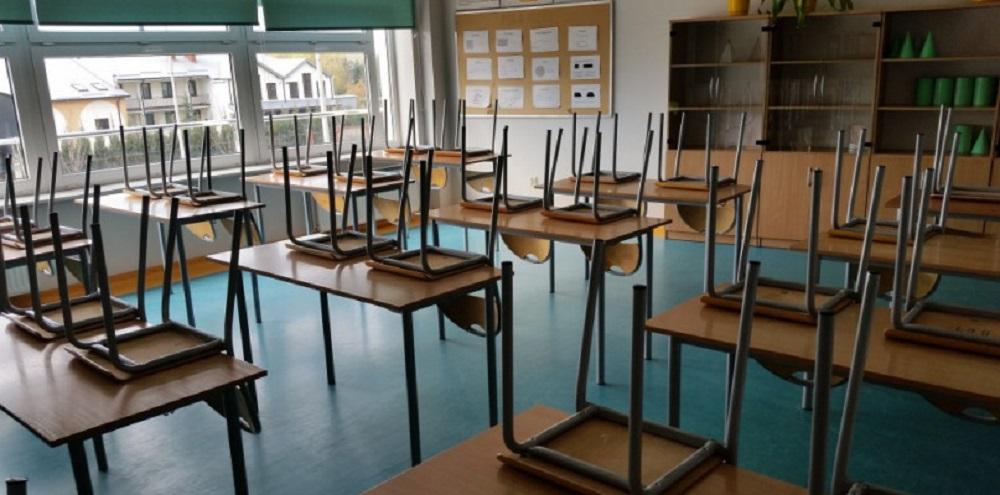 5 klas w szkole, 4 w domu. Część młodych płocczan wróciła do szkół  - Zdjęcie główne