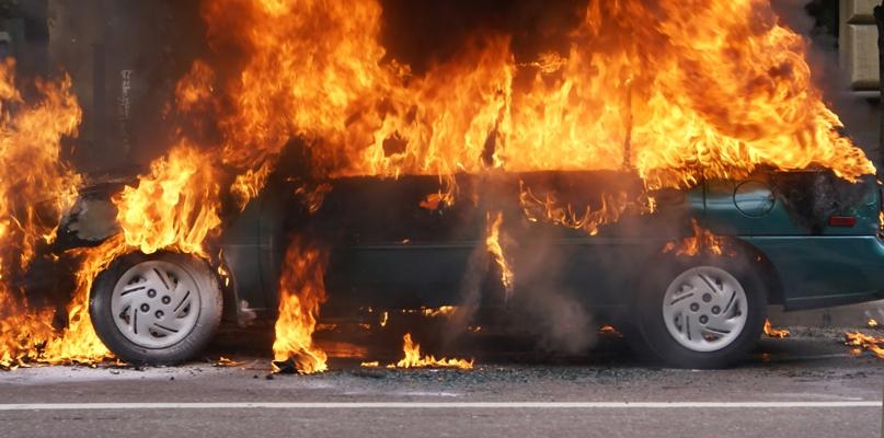 Pożar auta. Policja nie ma wątpliwości: to było podpalenie - Zdjęcie główne