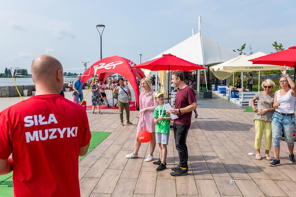 """Miasteczko """"Aktywnego Radia ZET"""" w Płocku [ZDJĘCIA] - Zdjęcie główne"""