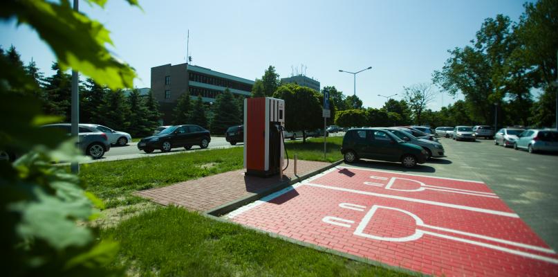 Samochód elektryczny naładujemy w Płocku - Zdjęcie główne