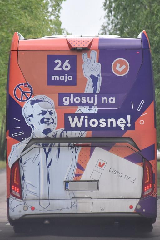 Biedroń i jego Wiosnobus w Płocku - Zdjęcie główne