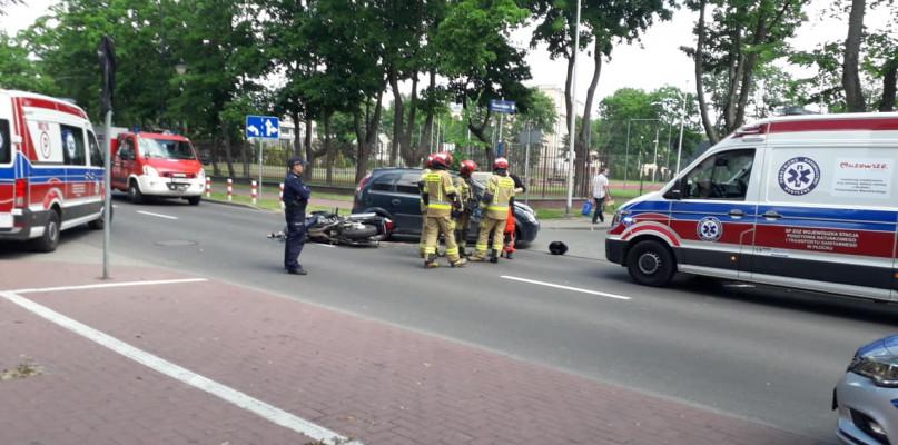 Wypadek na skrzyżowaniu. Motocyklista trafił do szpitala - Zdjęcie główne