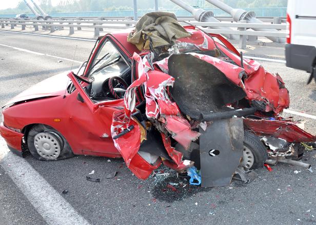 Wypadek na nowym moście [FOTO] - Zdjęcie główne
