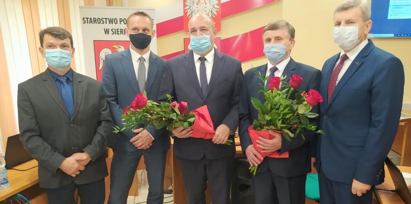 Nowe władze w powiecie. Starosta z PiS za starostę... z PiS - Zdjęcie główne