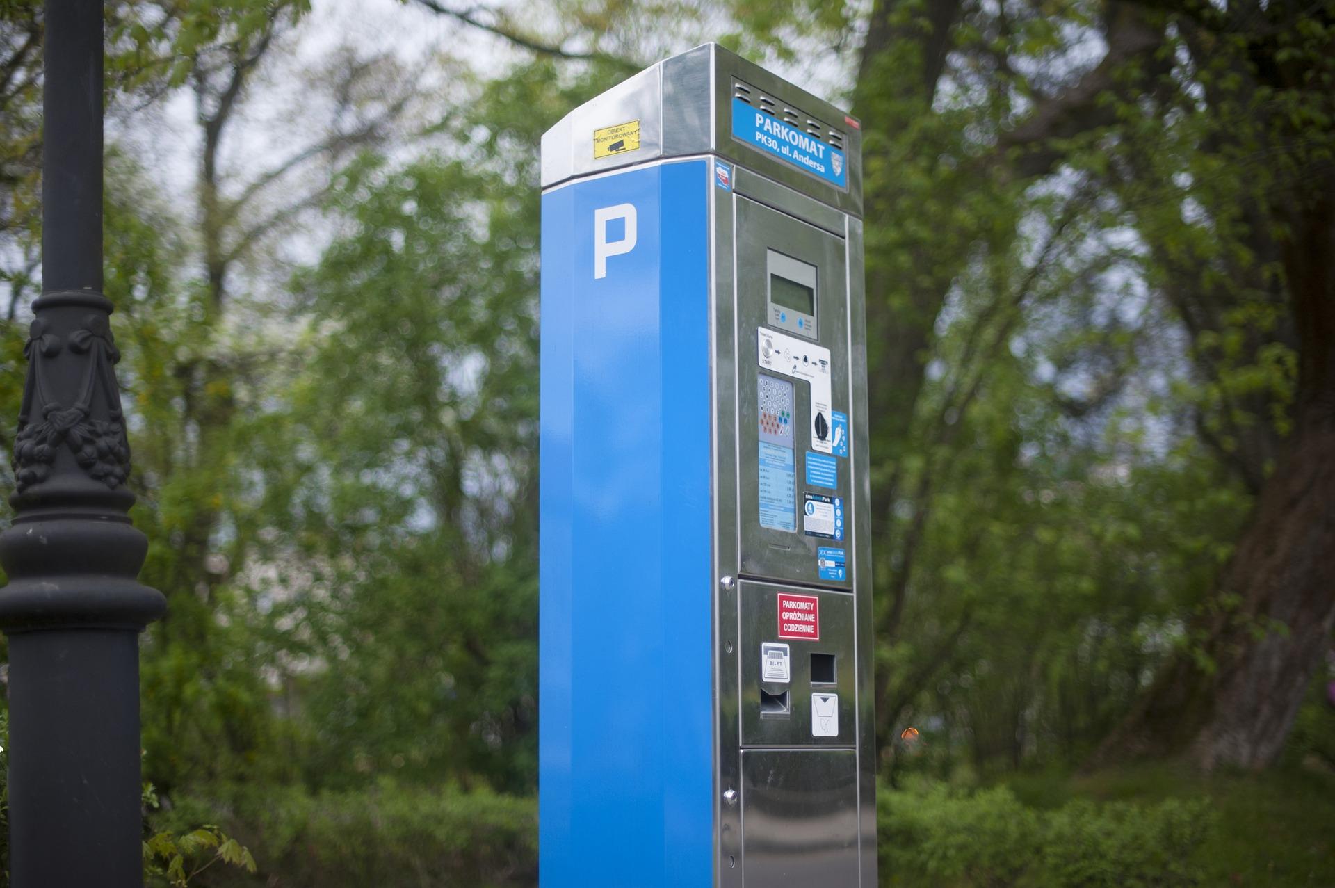 Wróciło płatne parkowanie. Abonament pięć razy wyższy niż w Warszawie? - Zdjęcie główne