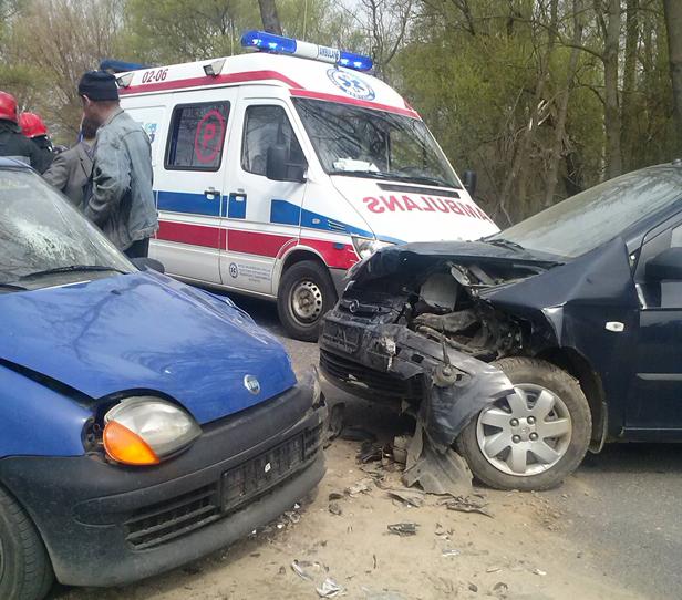 Wypadek:5 osób rannych,w tym dzieci [foto] - Zdjęcie główne