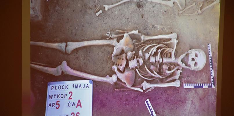 Stare cmentarzysko w centrum Płocka. Archeologiczne zagadki do rozwiązania [FOTO] - Zdjęcie główne