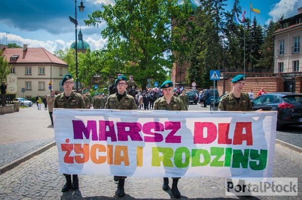 Biskup płocki: Taka Polska jest niewygodna  - Zdjęcie główne