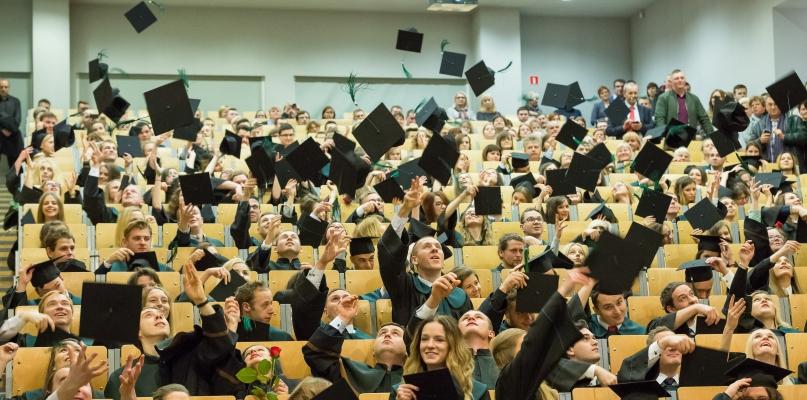 Absolwentów tych studiów brakuje na rynku pracy - Zdjęcie główne