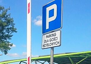 Problem z parkowaniem przy nowym dworcu - Zdjęcie główne