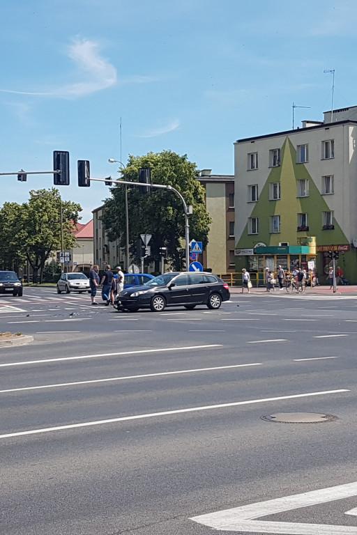 Zderzenie w centrum miasta - Zdjęcie główne